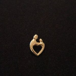 Jewelry - LOVING FAMILY HEART PENDANT 14K GOLD